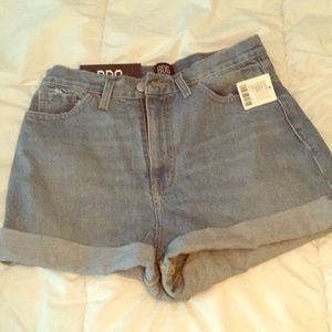 Urban Outfitters mom high rise shorts